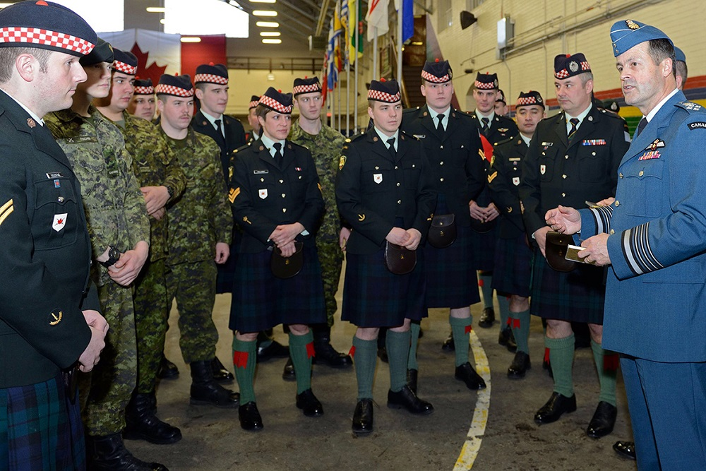 General Tom Lawson, Chief of the Defence Staff, addresses members of The Calgary Highlanders at the Mewata Armoury in Calgary, AB on January 9, 2015