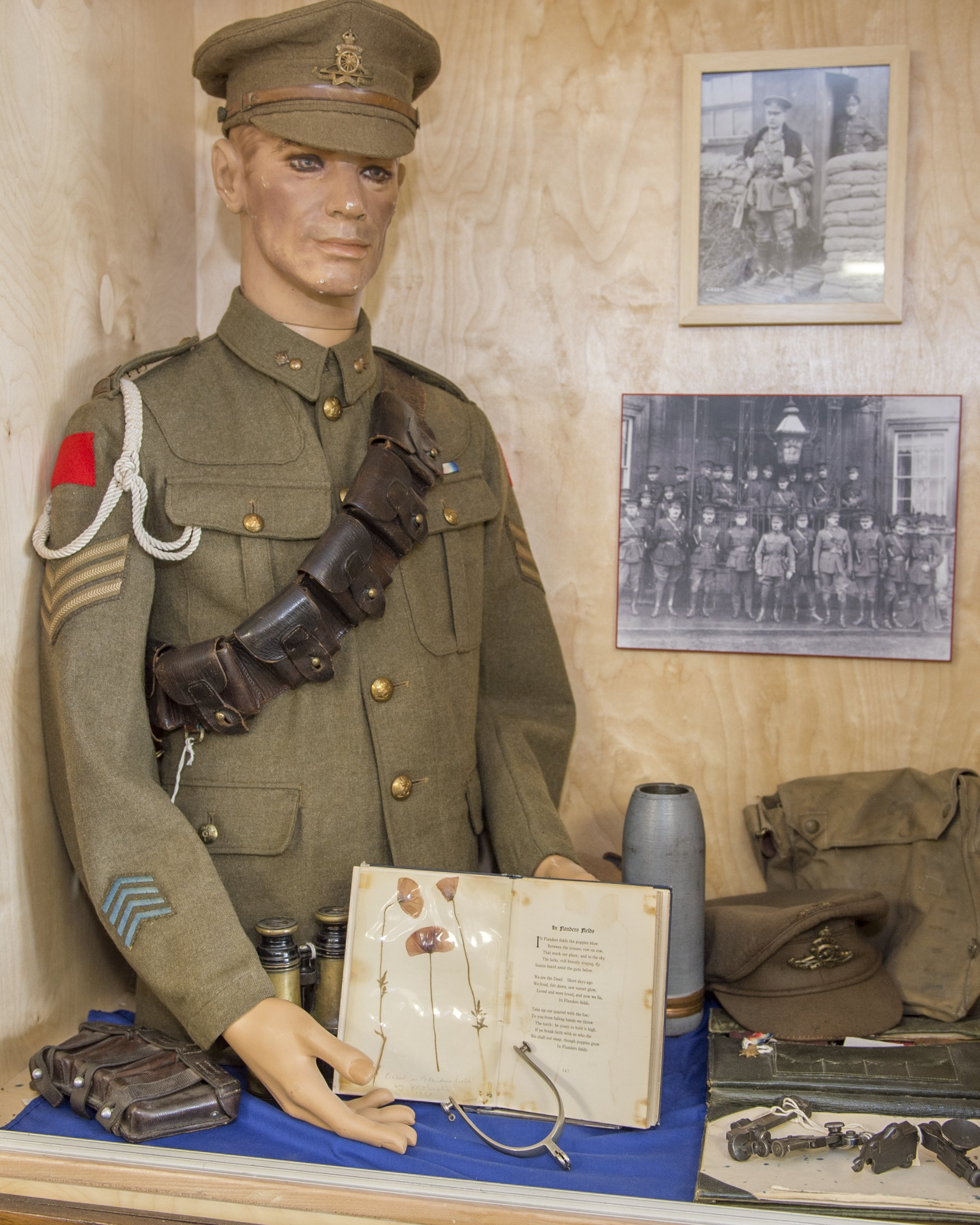 A museum display containing military artifacts from the First World War.
