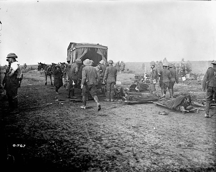 Horse ambulance picking up wounded at advanced Dressing Station, close up behind front during the great battle on September 15, 1916. Department of National Defence/Library and Archives Canada