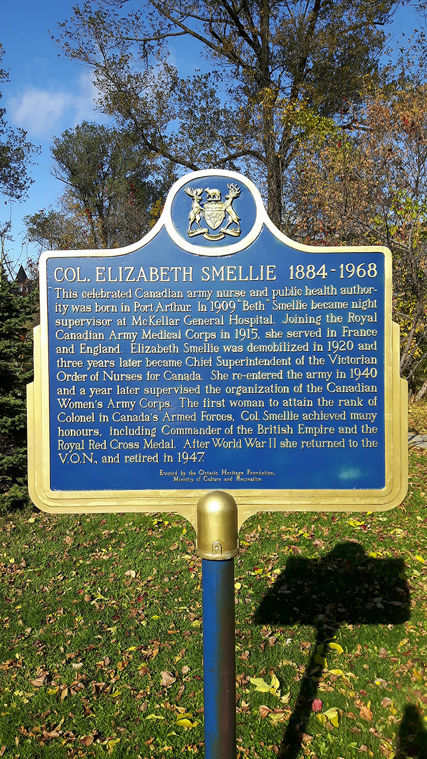 The Ontario Heritage Plaque for Colonel Elizabeth Lawrie Smellie (1884-1968) was originally erected at the McKellar General Hospital site where Col Smellie was night matron in 1909. The building, which opened in 1903, was converted to apartments in 1995. The plaque now stands in nearby Waverly Park in Thunder Bay. Photo by: Captain George Romick, Thunder Bay Military Museum.