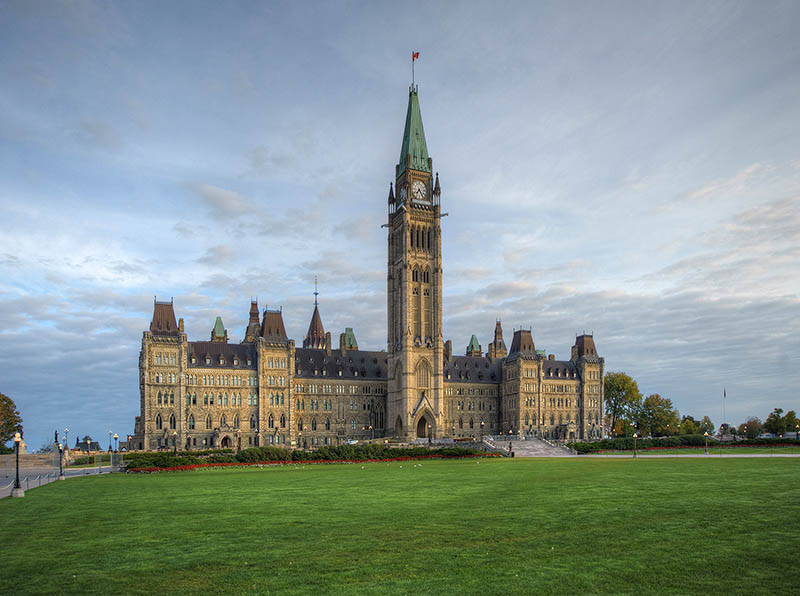 The Parliament Buildings were rebuilt between 1916 and 1927 in the lingering shadow of the First World War. 