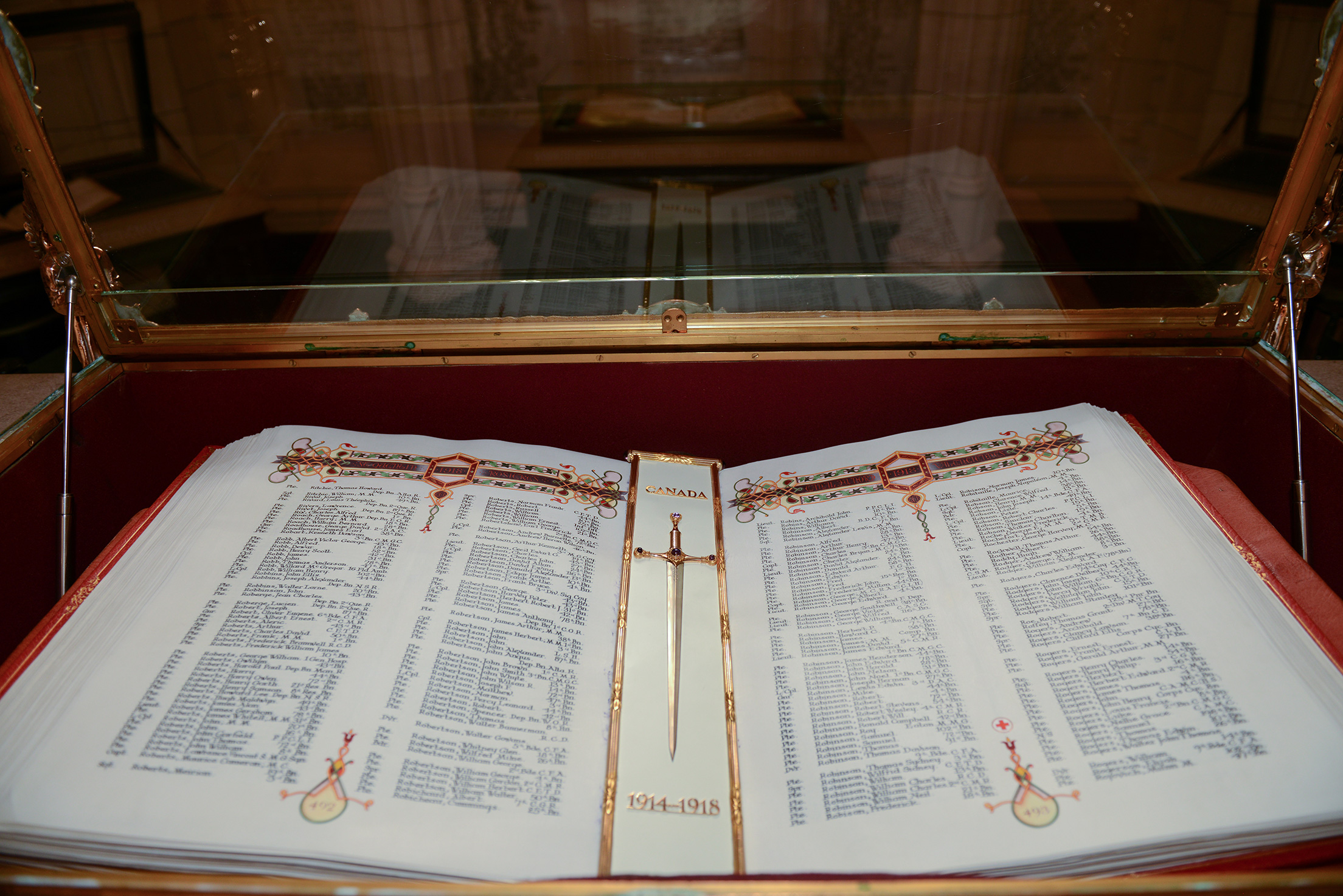 The First World War Book of Remembrance in its display case in the Memorial Chamber of the Peace Tower in Ottawa, Ontario on October 19, 2016. ©2016 DND/MDN Canada.