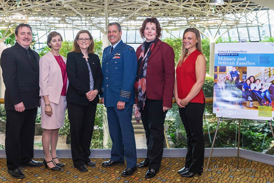 (From left to right) Harold Jones, Veteran Service Team Manager, Veterans Affairs Canada; Lorna Martin, President Emerita Canadian Counselling and Psychotherapy Association (CCPA); Nora Spinks, CEO, The Vanier Institute of the Family; Colonel Dan Harris, Director, Military Family Services; Dr. Kim Hollihan, Deputy CEO, CCPA; Ariel Haubrich, President, School Counsellors' Chapter, CCPA.