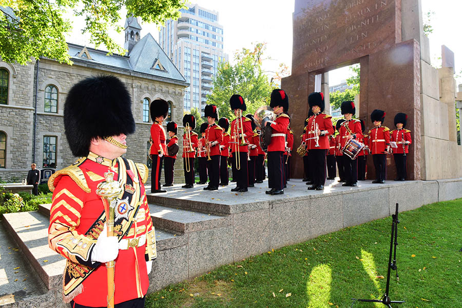 Mayor Jim Watson and the City of Ottawa paid tribute to the city's military history by hosting the City of Ottawa's first combined Freedom of the City event on September 16, 2017. The City invited the 18 military and three cadet units, to which it has conferred this right, to parade together. Photo: Sergeant D.G. Janes, Army Public Affairs. © 2017 DND / DND Canada.