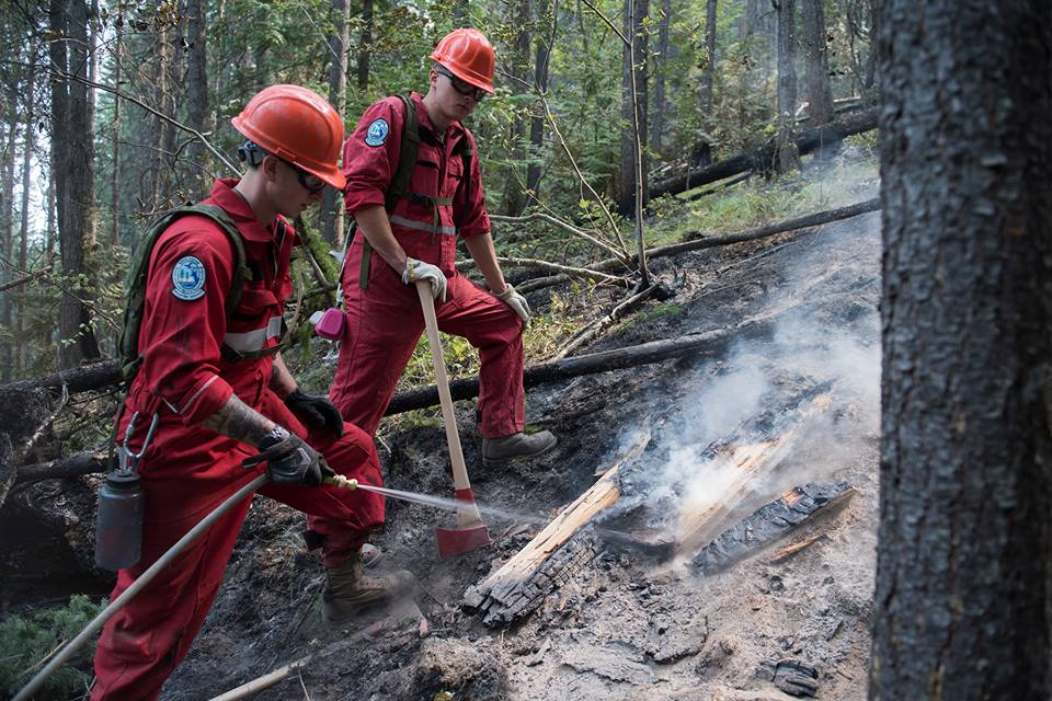 Soldiers from 1st Battalion, Princess Patricia's Canadian Light Infantry – a unit within 1 Canadian Mechanized Brigade Group – and 39 Canadian Brigade Group search for and extinguish burning material near Lumby, British Columbia on August 23, 2018 during Operation LENTUS 18-05.  Photo: Master Corporal Gerald Cormier, 3rd Canadian Division Public Affairs. ©2018 DND/MDN Canada.