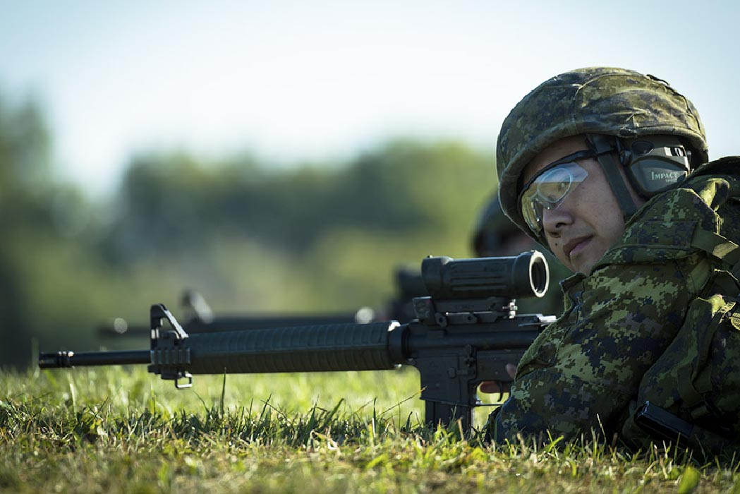 A Canadian Armed Forces member prepares to shoot during the Canadian Armed Forces Small Arms Competition on September 6, 2016 at the Connaught Ranges, Ottawa, Ontario. Photo: Aviator Desiree T. Bourdon, Canadian Forces Joint Imagery Centre. ©2016 DND/MDN Canada.