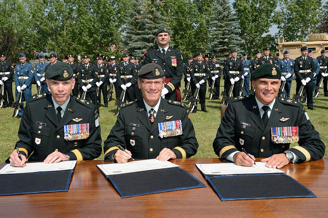 Lieutenant-General Wayne Eyre stepped into the role of Commander Canadian Army on August 20, 2019. He is pictured here on June 2, 2016 in the training area of Canadian Forces Base Wainwright during Exercise MAPLE RESOLVE when he served as Commander of 3rd Canadian Division in the rank of Brigadier-General. Photo: Master Corporal Malcolm Byers, Canadian Forces Base Wainwright. ©2016 DND/MDN Canada.
